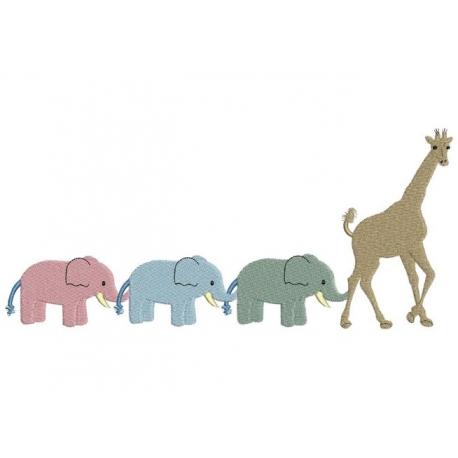 Eléphants et girafe